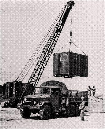 تصویر-قدیمی-کانکس-باکس-ارتش-ایالات-متحده